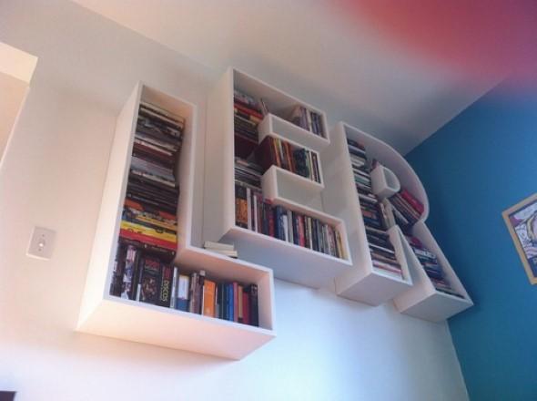 Prateleiras e estantes com formato de letras 004