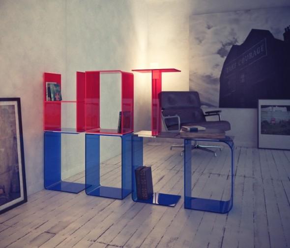 Prateleiras e estantes com formato de letras 014