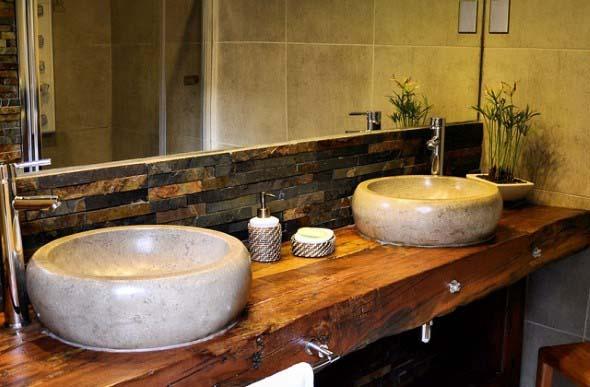 Banheiro de casal charmoso na decoração 015