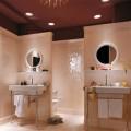 Banheiro de casal charmoso na decoração 021