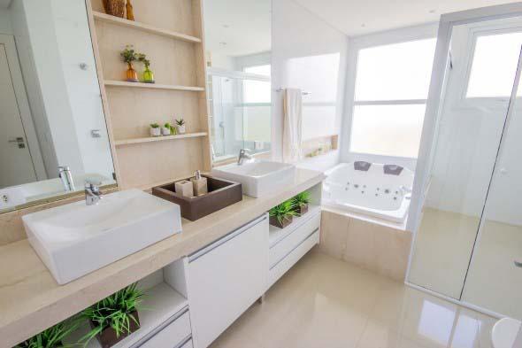 Banheiro de casal charmoso na decoração 023