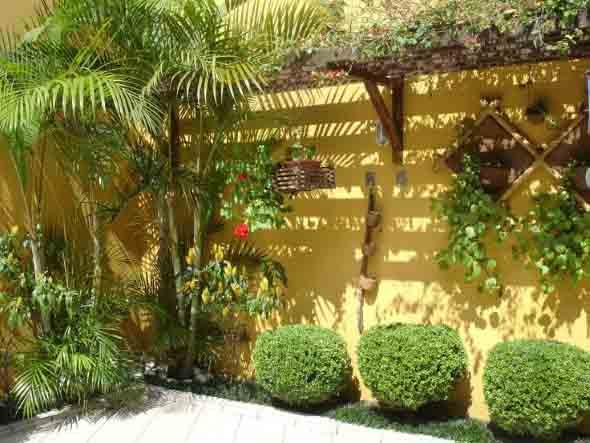 Jardins residenciais pequenos e charmosos 010