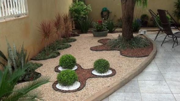 Jardins residenciais pequenos e charmosos 015