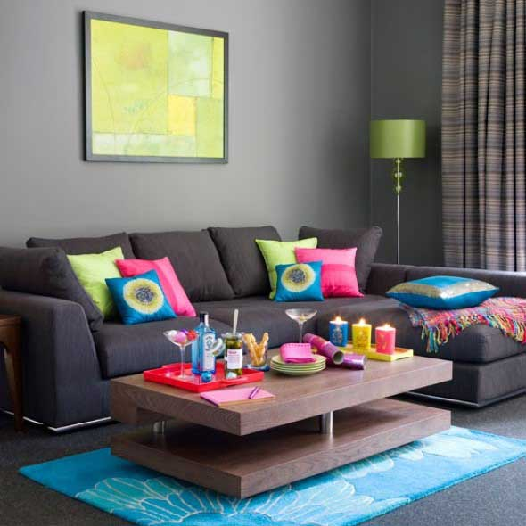 Almofadas coloridas na decoração 005