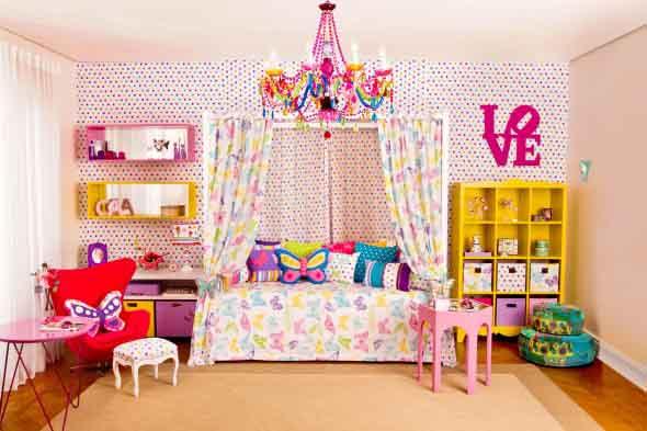 Almofadas coloridas na decoração 014
