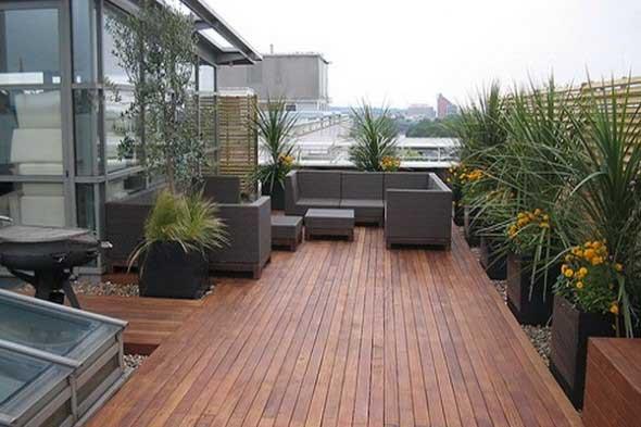 Decks de madeira na varanda 003