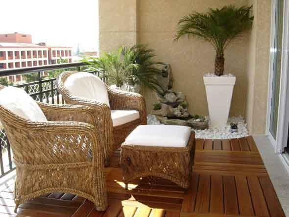 Decks de madeira na varanda 006