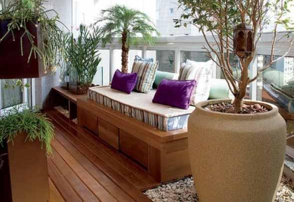 Decks de madeira na varanda 008