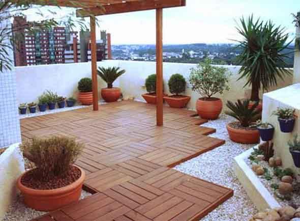 Decks de madeira na varanda 015