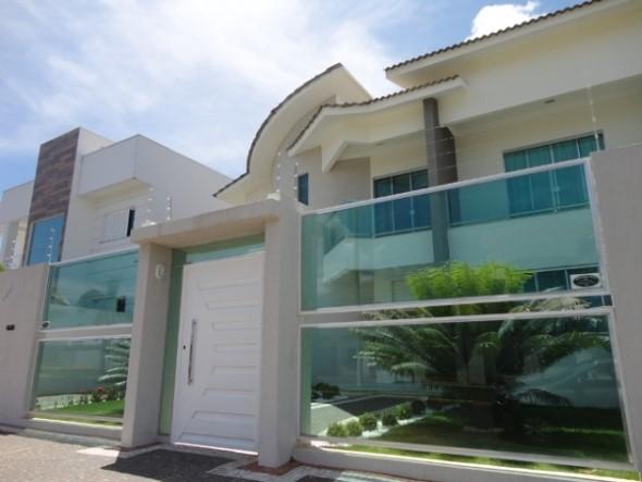Fachadas de casa com vidros 005