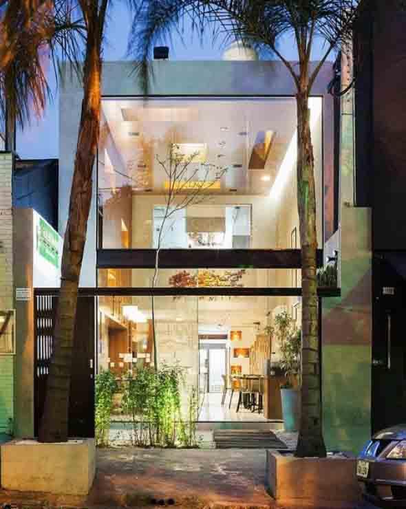 Fachadas de casa com vidros 006