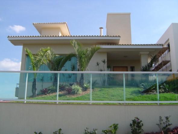 Fachadas de casa com vidros 012