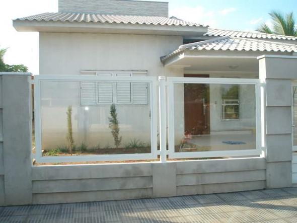 Fachadas de casa com vidros 015