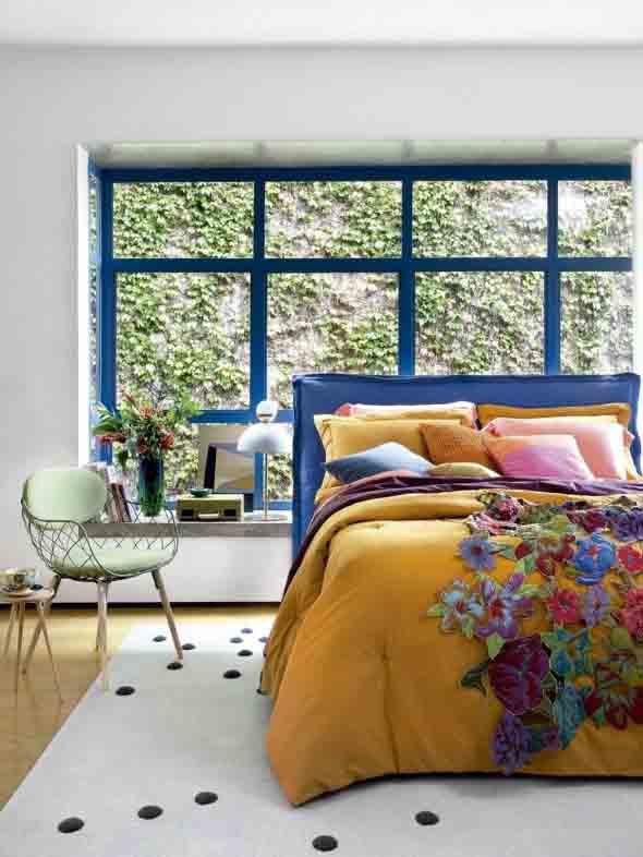 Janelas coloridas dentro de casa na decoração 017