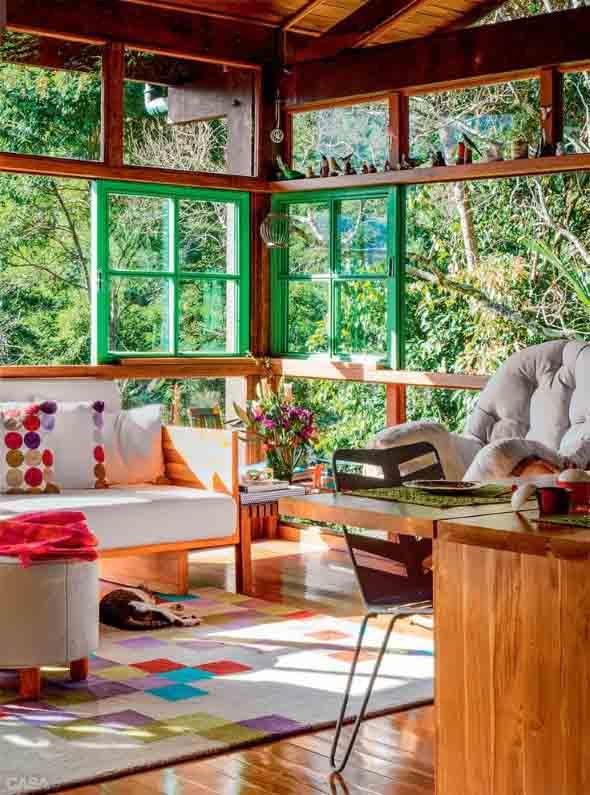 Janelas coloridas dentro de casa na decoração 019