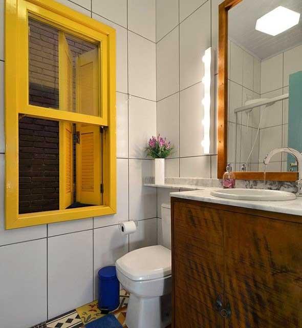 Janelas coloridas dentro de casa na decoração 020