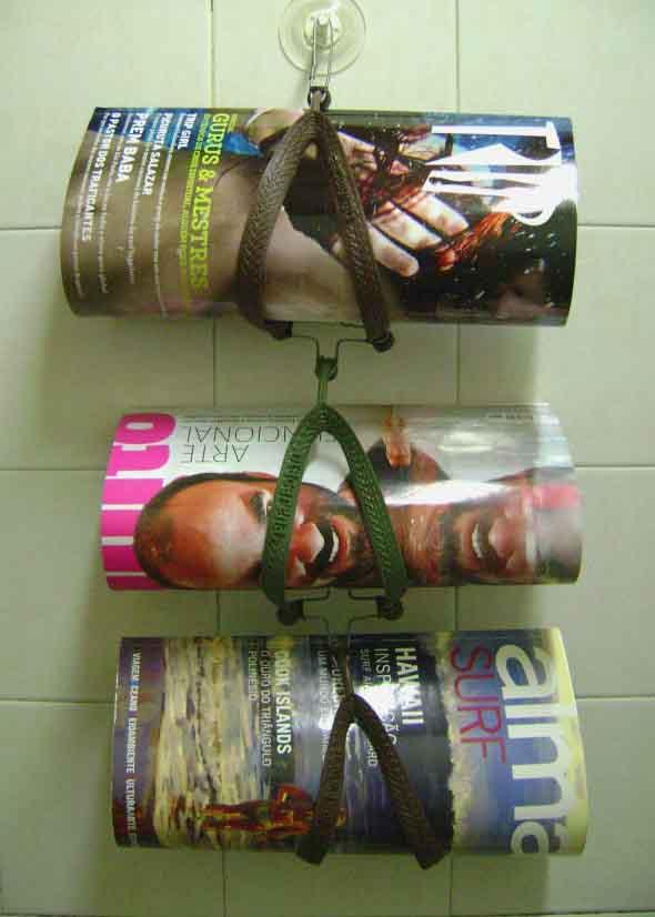 Suporte para jornais e revistas no banheiro 006