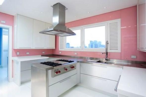 Inspire-se decorando a casa com tons de rosa 019