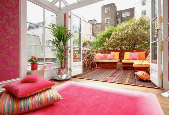 Inspire-se decorando a casa com tons de rosa 022