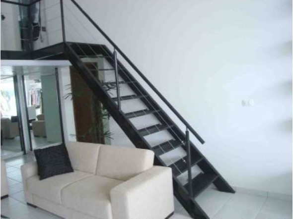 Modelos de escadas casas pequenas 002