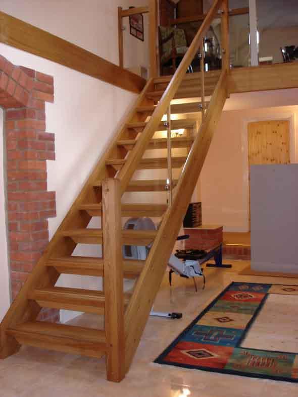 Modelos de escadas casas pequenas 012