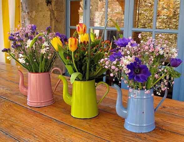 Como organizar flores com vasos artesanais 011