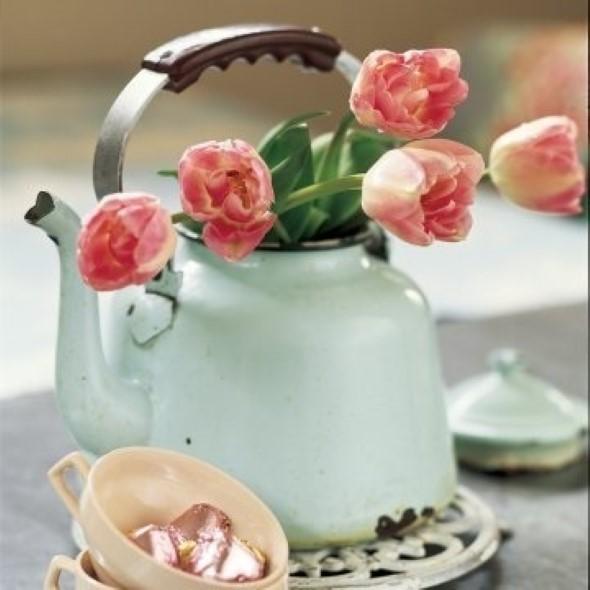 Como organizar flores com vasos artesanais 012