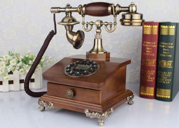 Decoração charmosa com telefones antigos 024