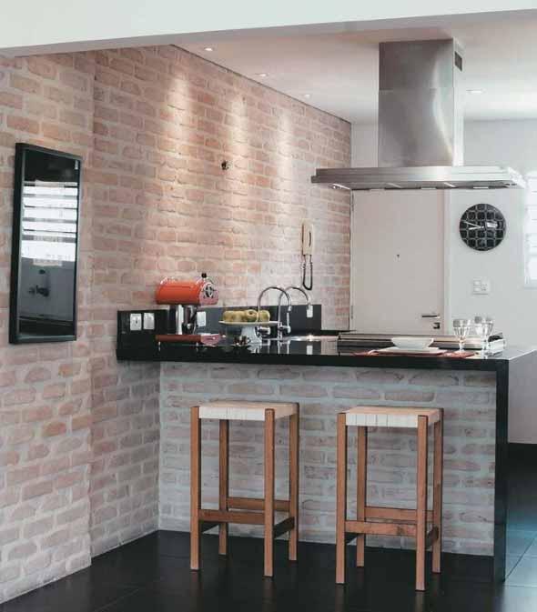 Tijolo aparente na decoração da cozinha 008