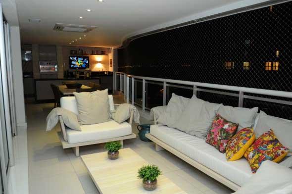 Decoração com TVs espalhadas pela casa 011