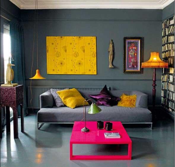 Cômodos com móveis coloridos 003
