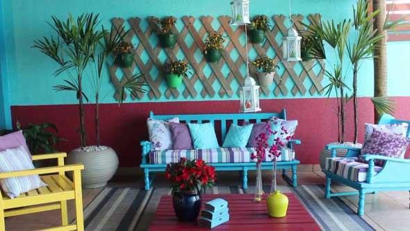 Cômodos com móveis coloridos 023