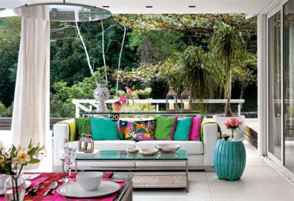 Colorido na varanda e jardim 014
