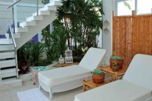 Jardim no vão da escada 016