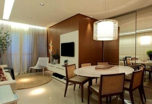 Mesas redondas na sala de jantar 004