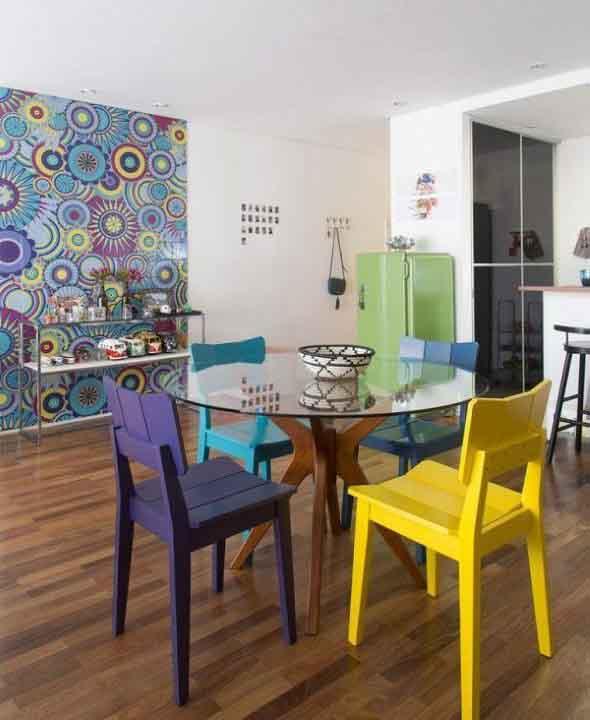 Mesas redondas na sala de jantar 014
