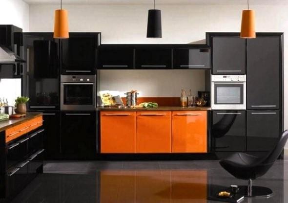 Cozinhas com armários pretos 015