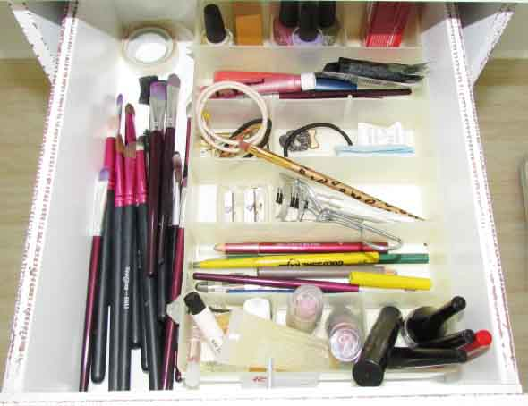 organizar pincéis de maquiagem 013