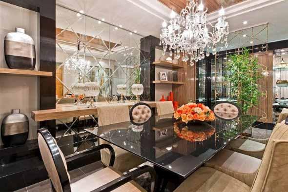Espelhos na decoração da sala de jantar 001