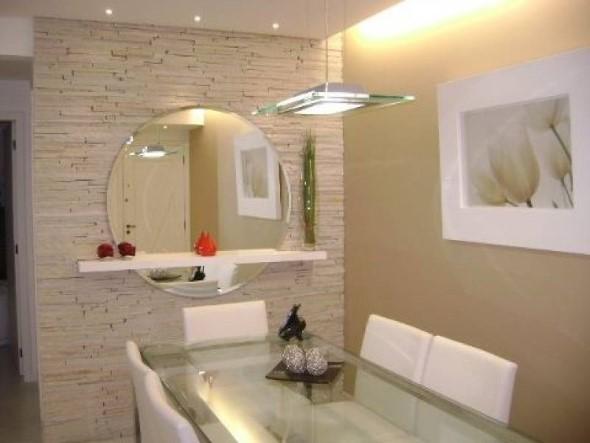 Espelhos na decoração da sala de jantar 007