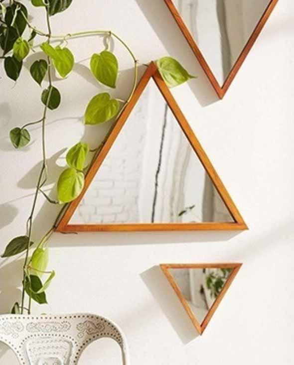 Espelhos triangulares na decoração 004