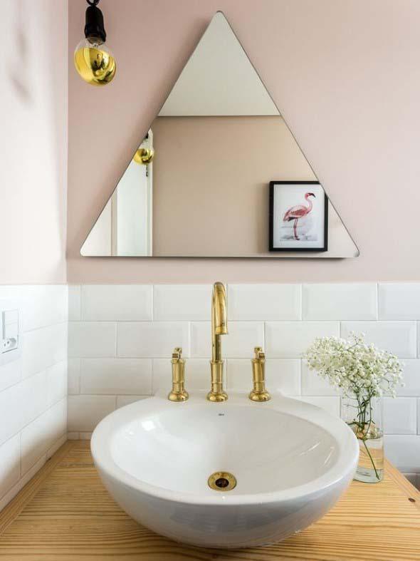 Espelhos triangulares na decoração 010