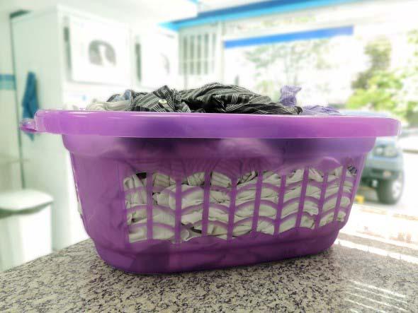 Organizar roupas na lavanderia 008