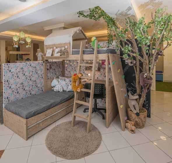 Quarto infantil com tema casa na árvore 012