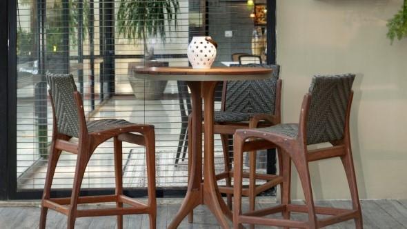Use mesas bistrô na decoração de casa 001