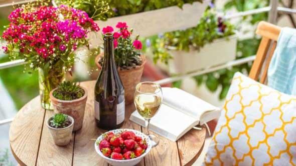 Use mesas bistrô na decoração de casa 007