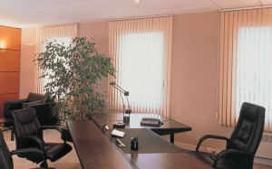 Cortinas para escritórios: Modelos modernos e persianas 2