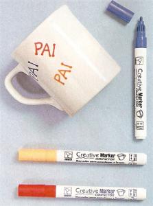 Decorar canecas em casa com canetas