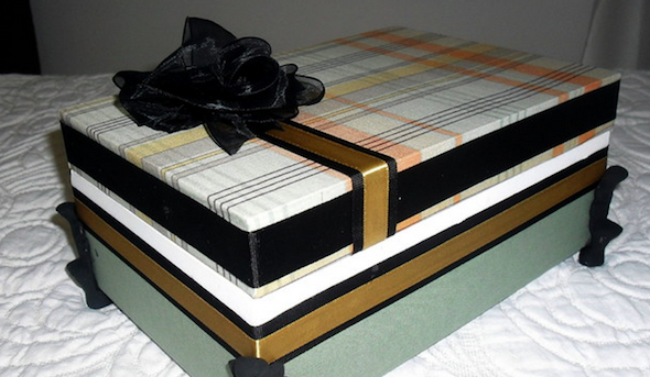 fazer caixa de presente forrada 2
