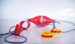 Brinquedo para menino de material reciclado 9